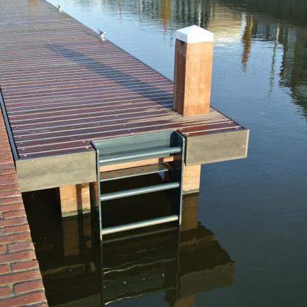 wooden jetty with ladder Delft Bureau Stoep