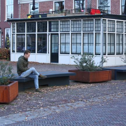 weathering steel planter, bench steel, street furniture Bureau Stoep
