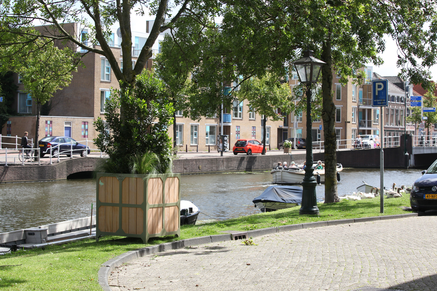 planter for Leiden Bureau Stoep